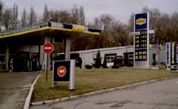 На Запорожском шоссе взорвали «Нефтек»