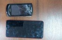 Под предлогом срочного звонка отобрал 2 мобильных телефона: в Каменском задержан грабитель