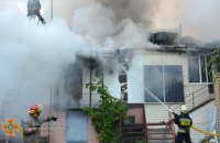 Днепровские спасатели ликвидировали пожар в жилом доме на общей площади 250 кв. метра