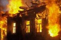В Никополе во время пожара спасли пенсионера