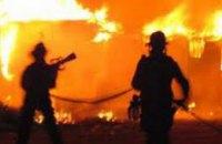 В Запорожье на заводе «Кремнийполимер» произошел сильный пожар