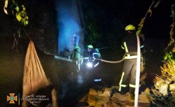 Ночью в Марганце горел жилой дом: в результате пожара погибла женщина