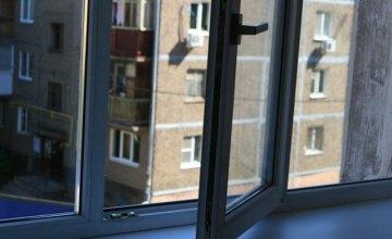 12-летняя девочка из-за развода родителей выбросилась из школьного окна