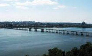 В Днепропетровске после Пасхи отремонтируют дорогу на Новом мосту