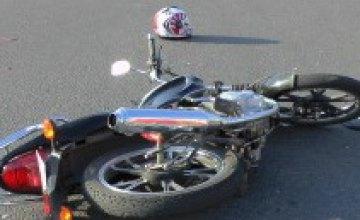 На ул. Маршала Малиновского мотоцикл влетел в иномарку