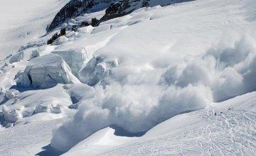 На Закарпатье объявили повышенную лавинную опасность