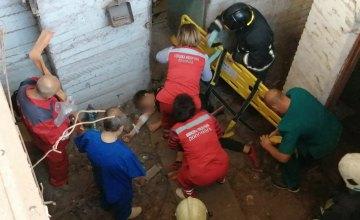 Упал с высоты шести метров: в Кривом Роге в подвале шахты обнаружили травмированного подростка