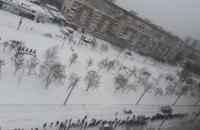 В Днепре на ж/м Левобережный-3 очередь на маршрутки растянулась на полкилометра (ФОТО)