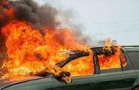 Ночью в Кривом Роге воспламенился автомобиль «Skoda FABIA», а за ним «ВАЗ 2109»