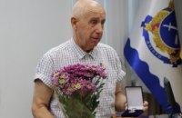У Дніпрі почесний донор України отримав пам'ятну медаль «За заслуги перед містом»