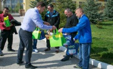 Народный депутат Андрей Павелко поздравил пострадавших на Евромайдане с Пасхой