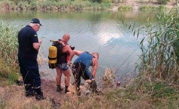 На Днепропетровщине из водоема достали тело погибшего мужчины