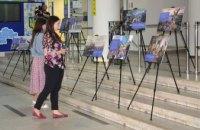 В ДнепрОГА открыли выставку, посвященную развитию демократии