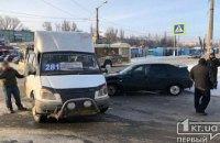 На Днепропетровщине легковушка протаранила маршрутку