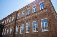 В Сурско-Литовском капитально ремонтируют столетнюю школу