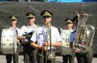 Всеукраїнський фестиваль духових оркестрів «Dnipro Spirit of orchestras» у День міста розпочався зі святкового дефіле учасників