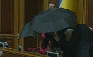 Депутаты возместили только сотую часть ущерба, причиненного дракой в Раде