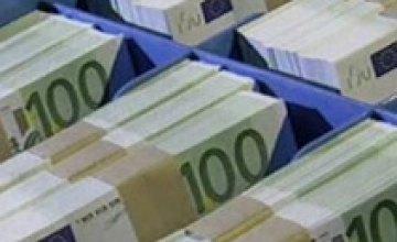 Евро продолжает рост на межбанке
