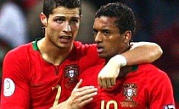 Португальцы легко обыграли турков