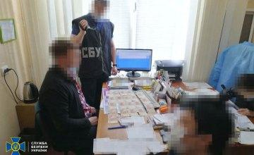 Медработники одного из областных учреждений Днепропетровщины торговали отрицательными результатами ПЦР-тестов