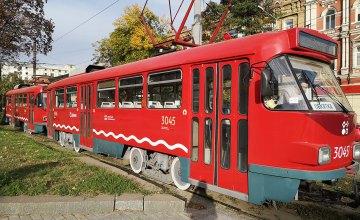 Сегодня в Днепре изменится движение  трамваев № 12 и № 17