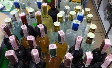 Инспекторы «Муниципальной стражи» обнаружили около 400 литров алкоголя, который продавали незаконно