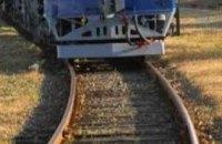 В Днепре мужчина в состоянии алкогольного опьянения попал под поезд: пострадавший госпитализирован с политравмой