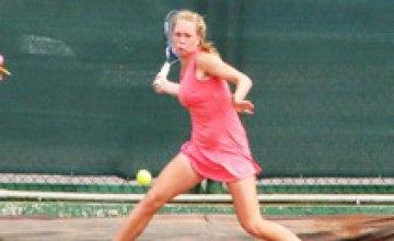 Теннисный турнир Megaron Ladies Open в Днепропетровске: украинские спортсменки проиграли в первых матчах основной сетки