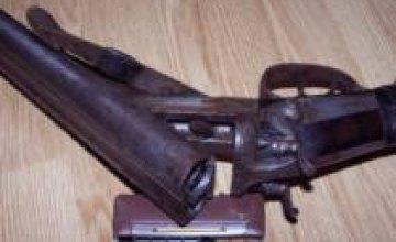 Оружейники Днепропетровска: Спрос на оружие не повысился - у людей нет денег на средства защиты