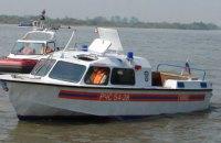 В Киевской области ищут баркас с 2 рыбаками на борту