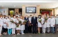 В Днепре четыре медика больницы Мечникова получили звание заслуженного врача Украины (ФОТОРЕПОРТАЖ)