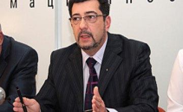 Владимир Дон: «Крупный бизнес в Украине жестко зависит от политических элит»