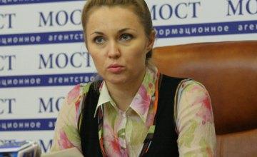 В Новомосковске нечем кормить школьников, - Виктории Шилова