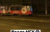 На пр.Дмитрия Яворницкого в Днепре трамвай сошел с рельс (ФОТО)