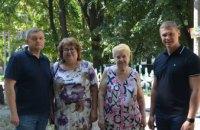 Ремонт и генеральная уборка: в Днепре команда ОПЗЖ помогла жителям ул. Рабочей провести субботник
