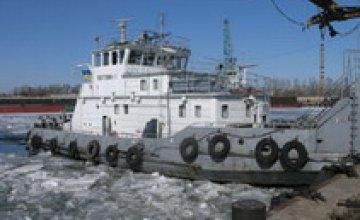 В Днепропетровской области начали разбивать лед на водоемах