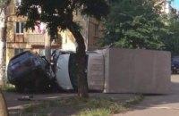 В Кривом Роге столкнулись ГАЗ и ВАЗ: от силы удара оба авто перевернулись