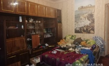 2 монитора, сабвуфер, деньги и украшения: в Кривом Роге 26-летний мужчина обокрал квартиру