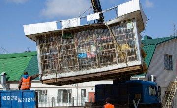 В Днепре демонтировали очередную наливайку, в которой продавали спиртное в ночное время