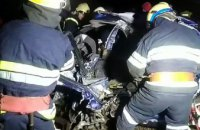 В Днепровском районе  погиб водитель легковушки, врезавшийся в опору моста (ВИДЕО)