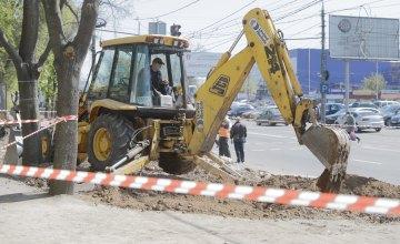 В Днепре продолжают устанавливать остановочные комплексы