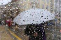 Комунальники Дніпра продовжують ліквідацію наслідків рясного дощу у місті