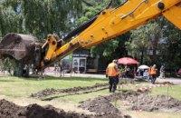 Нове дорожнє покриття, зупинки, тротуари: у Дніпрі розпочали другий етап реконструкції проїзної частини просп. Героїв