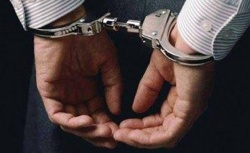 В Кривом Роге прохожие помогли правоохранителям задержать преступника, который ограбил женщину