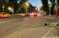 В Днепре пьяный водитель врезался в машину и сбил двух пешеходов