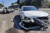 В Кривом Роге Audi влетела в Geely: есть пострадавшие