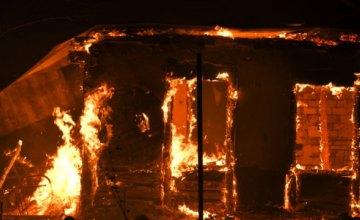 В Днепровском районе загорелась летняя кухня: огнём повреждена крыша