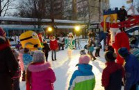 «Новогодний караван» побывал во дворе ж/м Тополь 3 д. 2 (ФОТО)