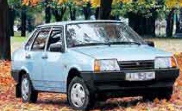 В Кривом Роге злоумышленники, угрожая ножом, завладели автомобилем ВАЗ-21099