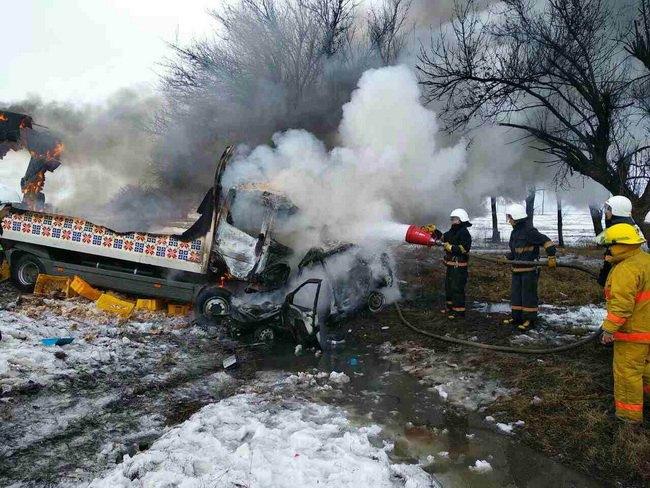 ВЗапорожье находу зажегся трамвай спассажирами